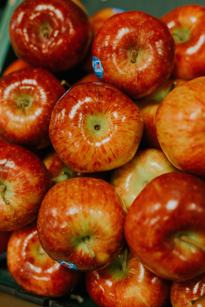 red cheif apples MAIN